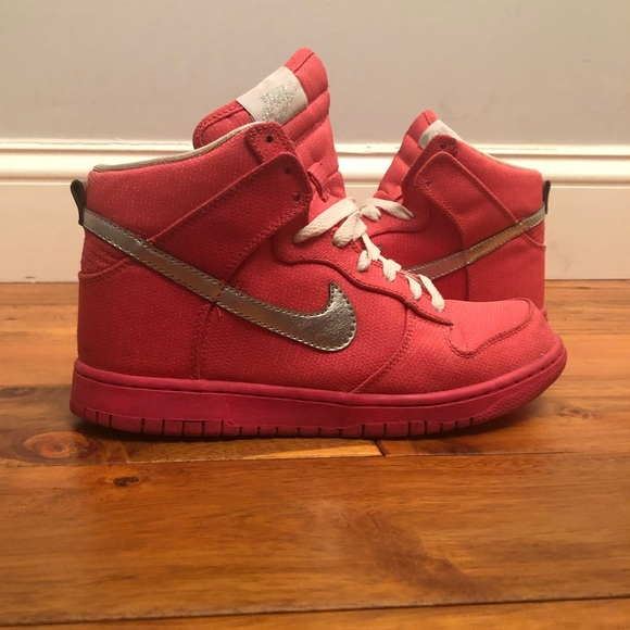 ad1f78c23f Nike high tops women s 8. Hot pink! M 5c0428b47386bc7bf444671a